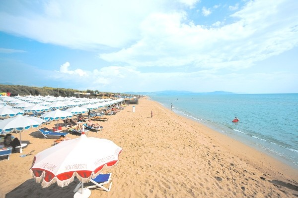 Plage - Hôtel Top Clubs Villaggio Oasis 4* Naples Italie