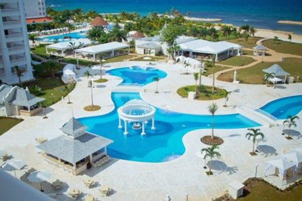 Piscine - Hôtel Luxury Bahia Principe Runaway Bay - ADULT ONLY 5* Montegobay Jamaique