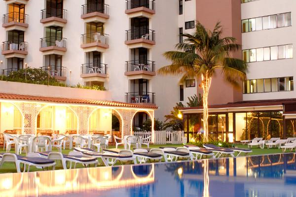 Piscine - Hôtel Estrelicia 3* Funchal Madère
