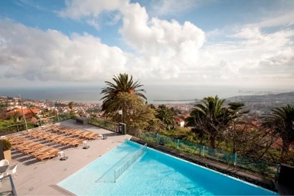 Piscine - Hôtel Funchal Design 4*