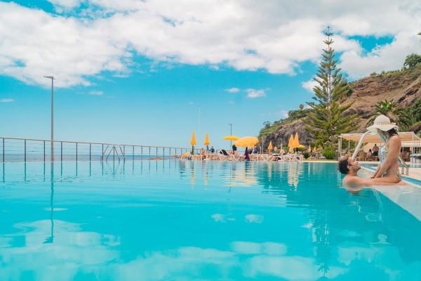 Piscine - Hôtel Orca Praia 3* Funchal Madère
