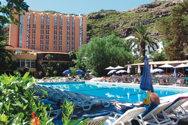 Piscine - Hôtel Top Clubs Dom Pedro Madeira 4* Funchal Madère