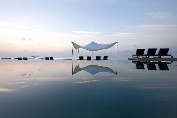 Piscine - Hôtel Constance Moofushi Resort 5* Male Maldives