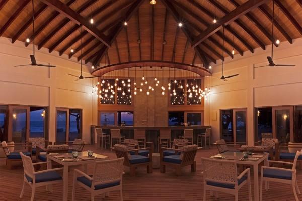 Restaurant - Malahini Kuda Bandos Resort 4* Male Maldives