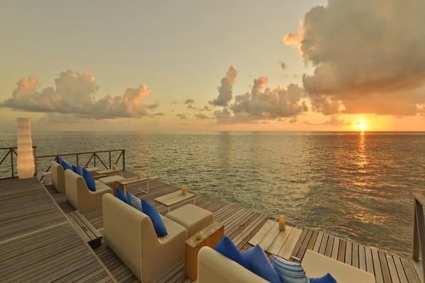 Terrasse - Hôtel Huvafen Fushi Maldives 5* Male Maldives