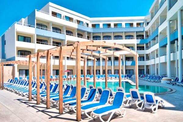 Piscine - Hôtel Labranda Riviera Premium Resort & Spa 4* La Valette Malte