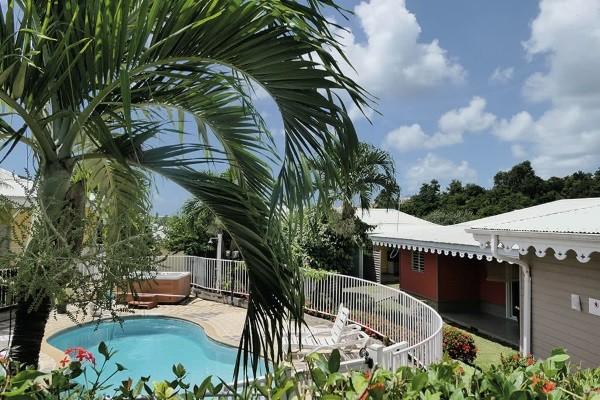Piscine - Hôtel Les Bungalows Du Verger Fort De France Martinique
