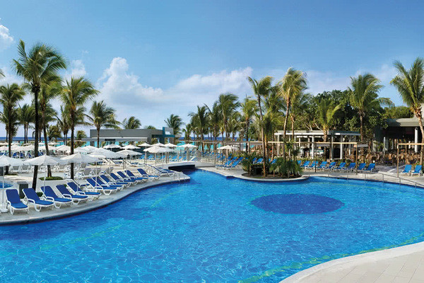 Piscine - Hôtel Riu Yucatan 5* Cancun Mexique
