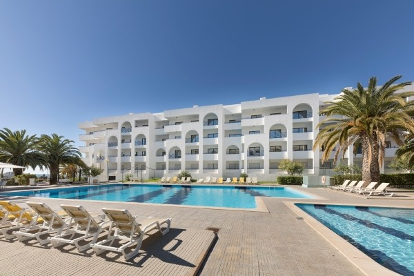 H tel be smart terrace algarve porches portugal partir for Chaine hotel pas cher portugal