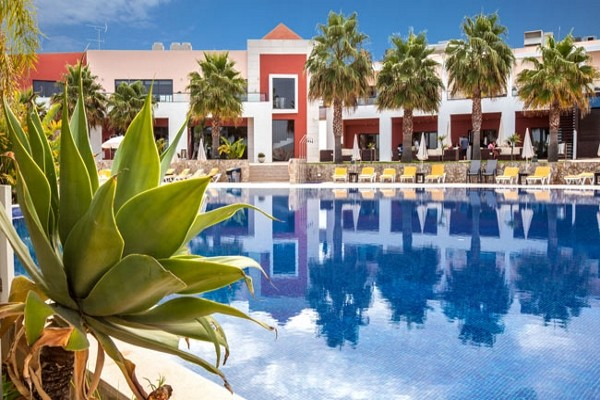 Piscine - Hôtel Vistor's Village 4* Faro Portugal