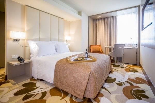 h tel skyna hotel lisboa lisbonne portugal fram. Black Bedroom Furniture Sets. Home Design Ideas