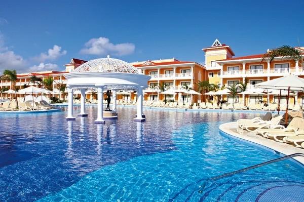 Piscine - Hôtel Bahia Principe Grand Aquamarine 5* Punta Cana Republique Dominicaine
