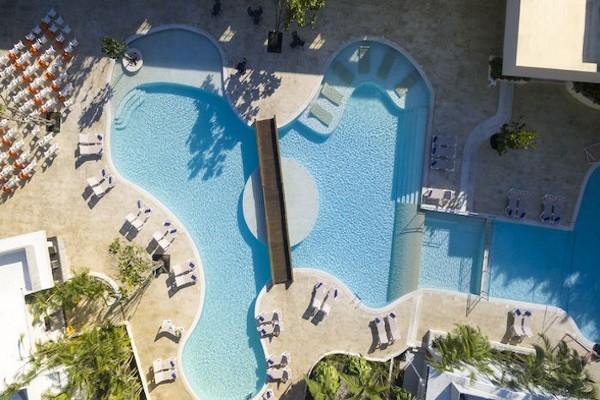 Piscine - Club Bravo Club Caribe Playa 4* sup Punta Cana Republique Dominicaine