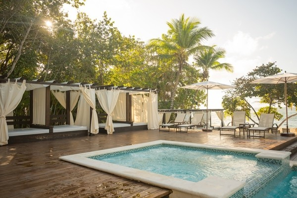 Piscine - Emotions Beach Resort by Hodelpa 4* Punta Cana Republique Dominicaine