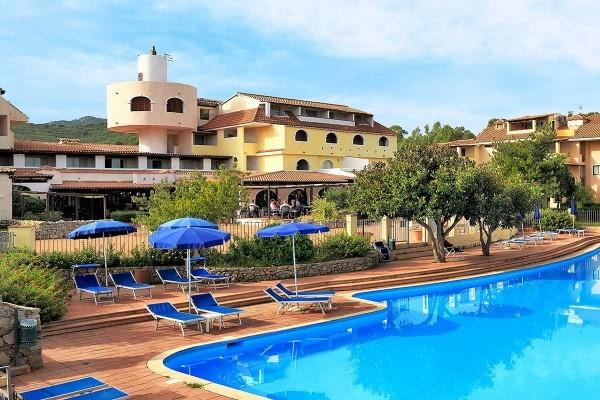 Piscine - Hôtel Colonna Beach 4* Olbia Sardaigne