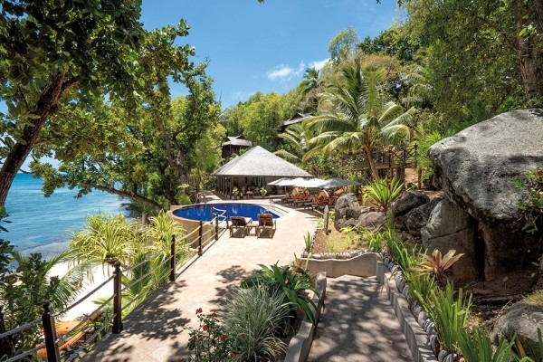 Piscine - 2 iles : Mahé et Praslin : L'habitation Cerf Island et Palm Beach