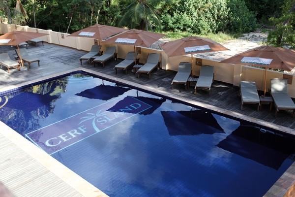 Piscine - Hôtel Cerf Island Resort 4* Mahe Seychelles