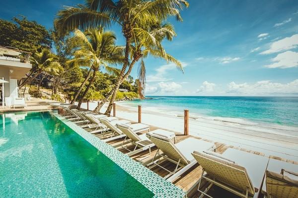 Piscine - Combiné 2 îles : Mahé Carana Beach Hotel + Praslin Archipel
