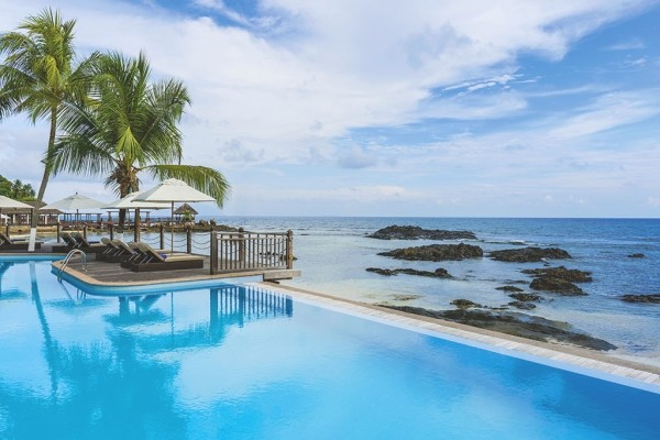 Plage - Combiné hôtels 2 iles : Mahé et Praslin : Hôtels Le Méridien Fisherman's Cove et Coco de Mer & Black Parrot Suites Mahe Seychelles