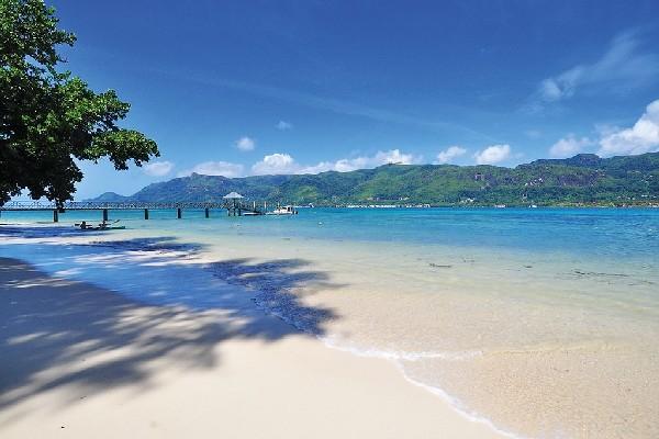 H tel l 39 habitation cerf island mahe seychelles partir for Habitation pas cher