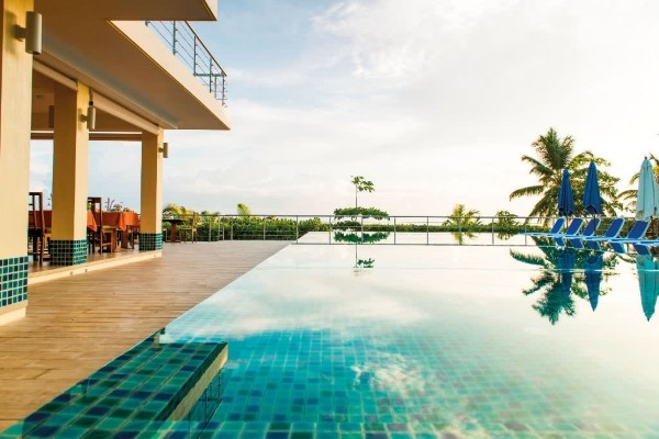 Piscine - Hôtel Acajou Beach Resort 4* Praslin Seychelles