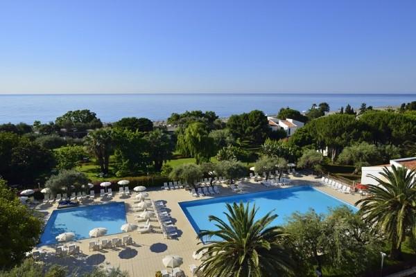 h tel atahotel naxos beach resort catane sicile et italie du sud partir pas cher. Black Bedroom Furniture Sets. Home Design Ideas