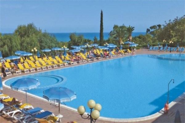 H tel costa verde sicile palerme italie ecotour for Cat costa intretinerea unei piscine