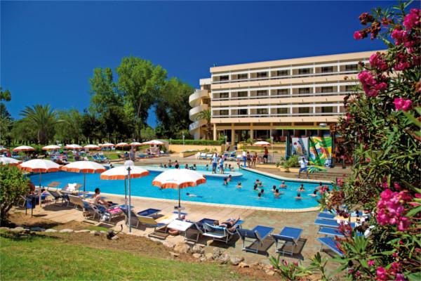 H tel top clubs lipari sicile palerme italie ecotour for Club piscine shawinigan sud
