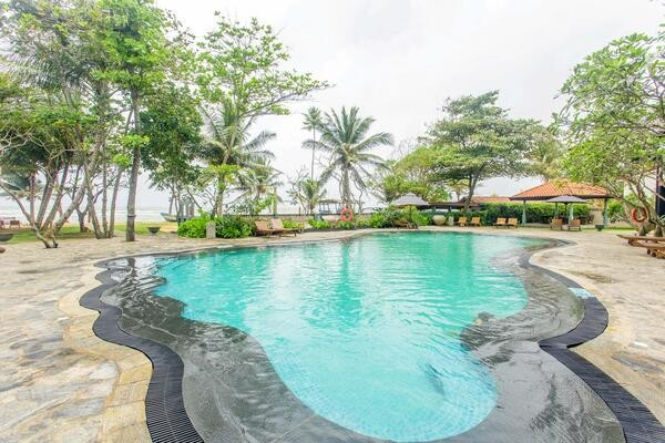 Piscine - Hôtel Earl's Reef 4* Colombo Sri Lanka
