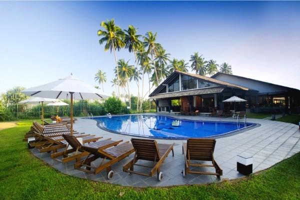 Piscine - Hôtel Kamili Beach Villa 4* Colombo Sri Lanka