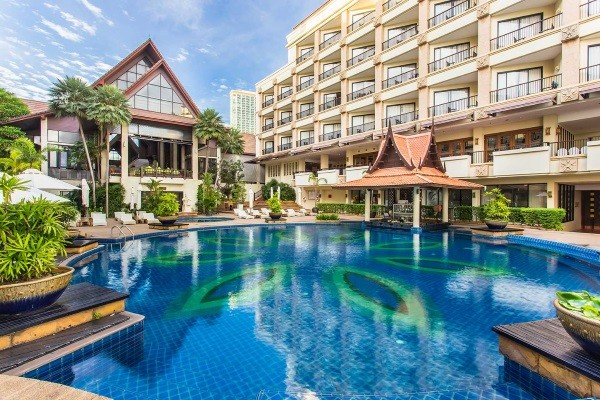 Piscine - Garden Cliff Resort & Spa 5* Bangkok Thailande