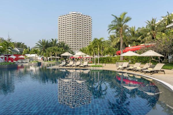 Hotel novotel hua hin cha am beach resort spa hua hin thailande promovacances for Hotel pas cher bangkok avec piscine