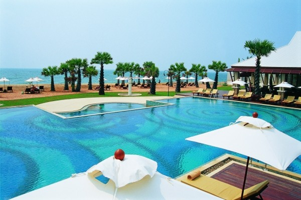 Piscine - Ravindra Beach Resort & Spa 5* Bangkok Thailande