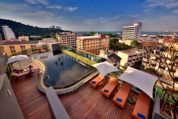 Piscine - The Sun Xclusive Pattaya 3* Bangkok Thailande