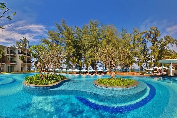 Piscine - Hôtel Holiday Inn Phuket Mai Khao Beach Resort 4* Phuket Thailande