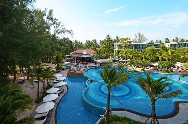 Piscine - Hôtel Holiday Inn Phuket Mai Khao Beach Resort 4* Phuket Thailande