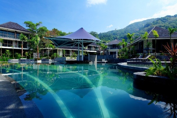 H tel mandarava resort and spa phuket thailande partir for Vol interieur thailande