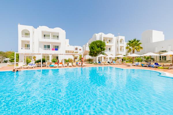 Piscine - Hôtel Maxi Club Riad Méninx 4* Djerba Tunisie