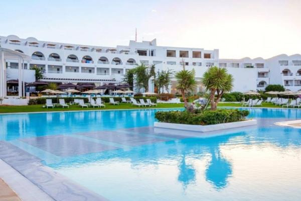 Piscine - Hôtel Le Sultan 4* Tunis Tunisie