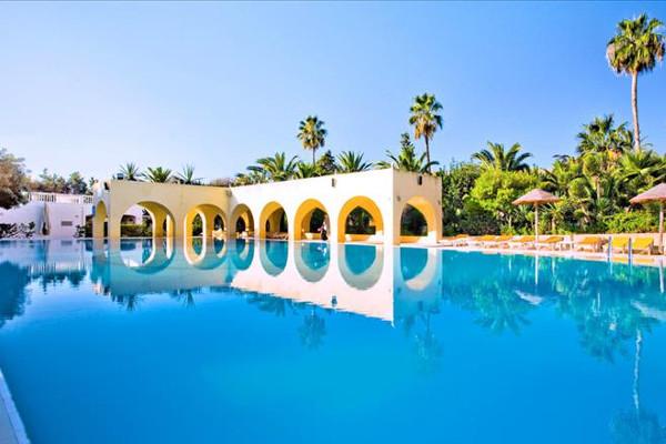 Piscine - Hôtel Mediterrannée Thalasso Golf 3* Tunis Tunisie