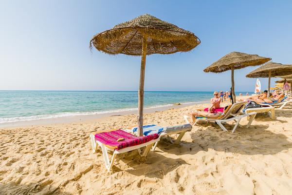 Plage - Hôtel Mediterrannée Thalasso Golf 3* Tunis Tunisie