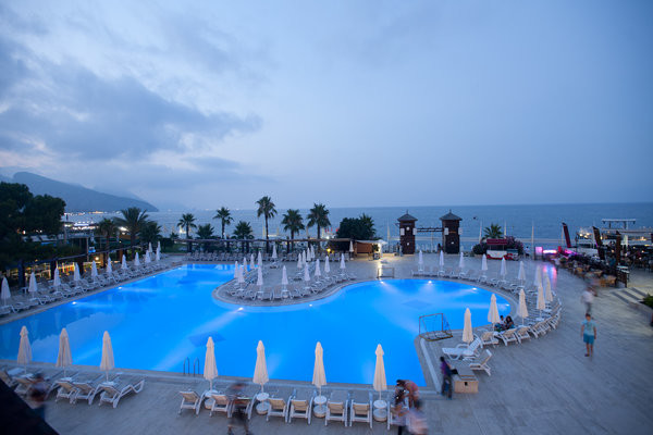 Piscine - Crystal Flora Beach Resort