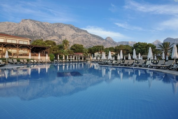 Piscine - Hôtel Crystal Flora Beach Resort 5* Antalya Turquie