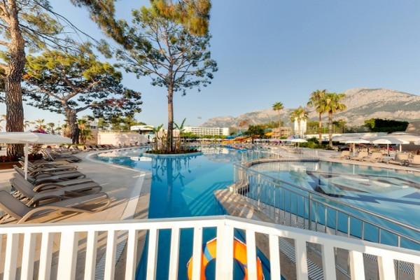 Piscine - Hôtel Kilikya Palace Goynuk 5* Antalya Turquie