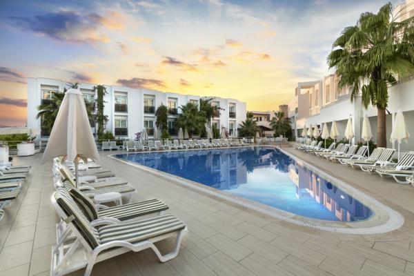 Piscine - Hôtel Club Shark Hotel 4* Bodrum Turquie