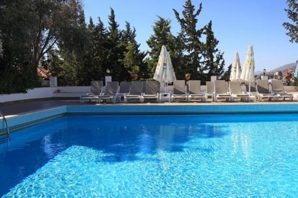 Piscine - Hôtel Comca Manzara 3*