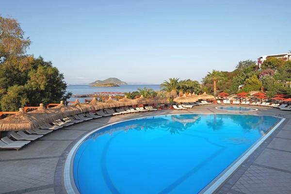 Piscine - Hôtel Kadikale Resort 4* Bodrum Turquie