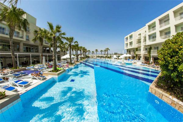 Piscine - Hôtel Ôclub Premium La Blanche 5* Bodrum Turquie