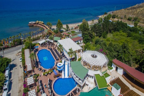 Hôtel Hotel Golden Beach by Jura 4*