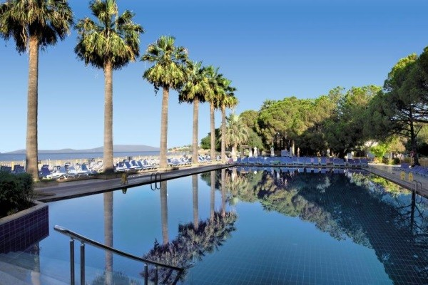 Piscine - Hôtel Ömer Holiday Village 4* Izmir Turquie